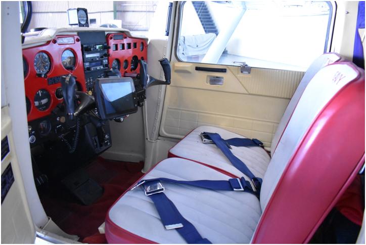 Cessna 150 Interior